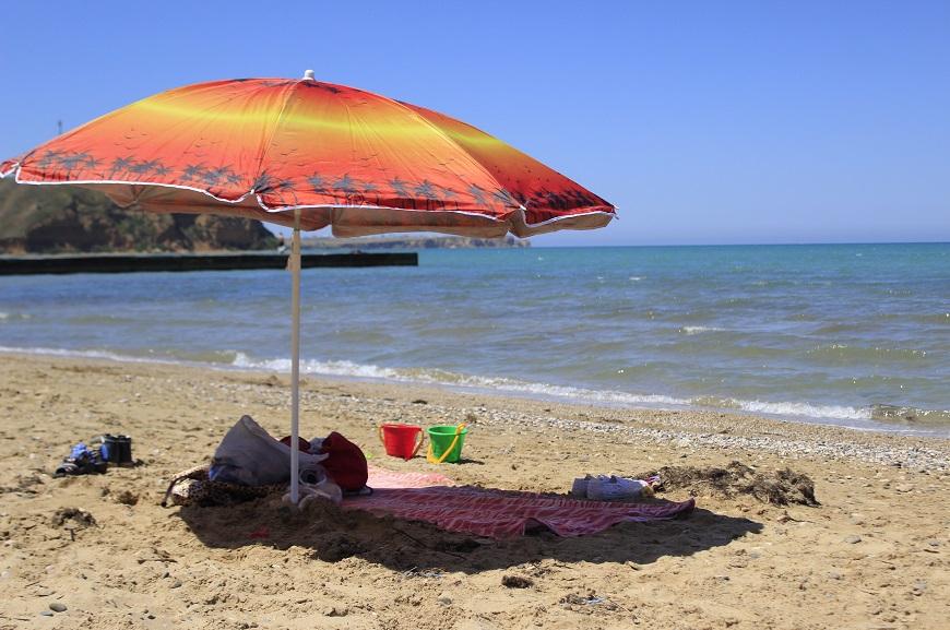 Песчаный пляж Западного Крыма фото